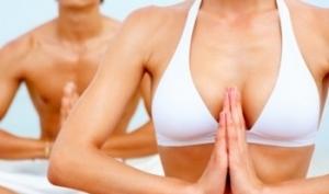 Как увеличить грудь без операции?