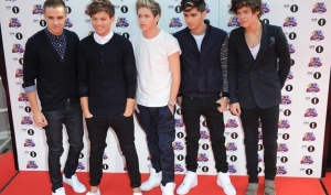 One Direction выпустят парфюм