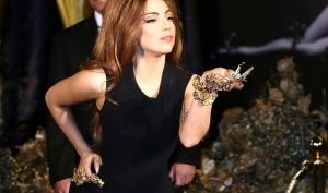 Леди Гага будет выпускать бутилированную воду