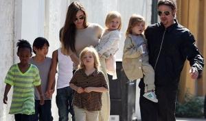 Брэд Питт и Анжелина Джоли плохо воспитывают детей