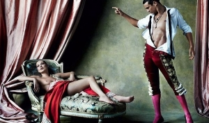 Обнаженная Кейт Мосс появилась на обложке испанского Vouge