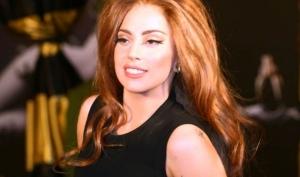 Леди Гага учит поклонников экономить на Рождество
