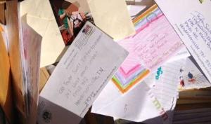 Письма фанатов Тэйлор Свифт найдены в мусорке