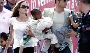 Няня детей Анджелины Джоли считает ее плохой матерью