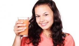 Какие напитки полезны для здоровья женщины