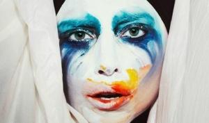Леди Гага выпустила песню Applause раньше намеченного срока