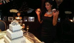 Ким Кардашьян и ее торты
