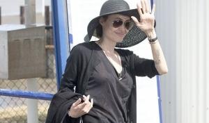 Анджелине Джоли предлагают 50 миллионов долларов за автобиографию