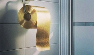В Австралии сделали золотую туалетную бумагу