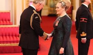 Адель получила орден Британской империи