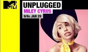 Майли Сайрус надела фальшивые зубы для постера MTV