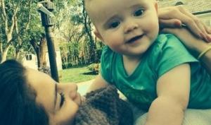 Селена Гомес сфотографировалась с сестрёнкой