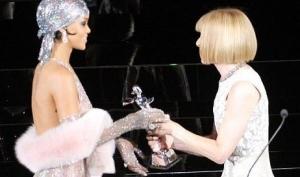 Рианна пришла в прозрачном платье на CFDA Fashion Awards 2014