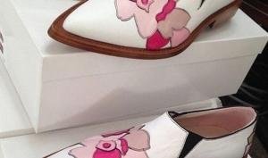 Виктория Бекхэм выпустила обувь без каблука
