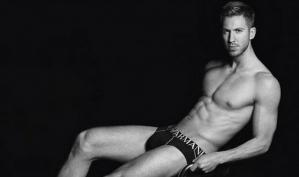 Парень Тэйлор Свифт снялся в рекламе нижнего белья