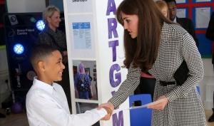 Кейт Миддлтон впервые вышла в свет после рождения дочери