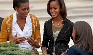 Барак Обама из-за разбитой губы не смог встретить рождественскую ёлку
