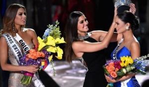 На Мисс Вселенная 2015 перепутали победительниц