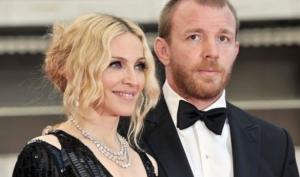 Мадонна подала в суд на Гая Ричи из-за сына Рокко
