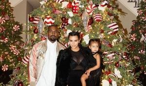 Канье Уэст завалил Ким Кардашян рождественскими подарками