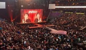 Мадонна опаздывает на концерты и странно ведёт себя