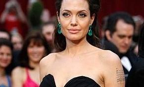 Анджелина Джоли займется дизайном ювелирных украшений
