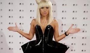 Леди Гага названа самой провокационной знаменитостью 2010 года
