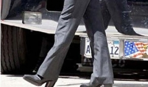 Мужчины тоже носят обувь на каблуке