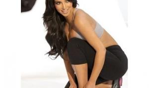 Ким Кардашян использовала двойника в рекламе для Суперкубка