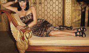 Ким Кардашян стала Клеопатрой в фотосессии для Harper's Bazaar