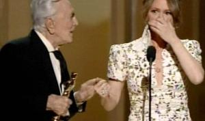 Мелисса Лео извинилась за мат на Оскаре