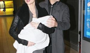Миранда Керр вернулась на подиум через 2 месяца после рождения сына