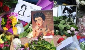 Элизабет Тэйлор похоронят рядом с родителями