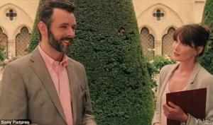 Карлу Бруни критикуют за роль в фильме Полночь в Париже
