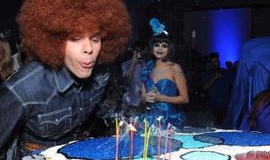 Селена Гомес на голубой вечеринке Переца Хилтона