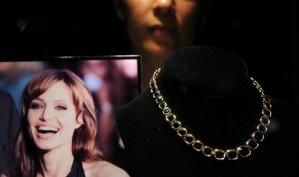 Анджелина Джоли показала драгоценности из своей коллекции