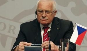 Президент Чехии, укравший ручку, стал героем Ютьюба