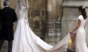 Свадебное платье Кейт Миддлтон номер два: и снова поклон Маккуину