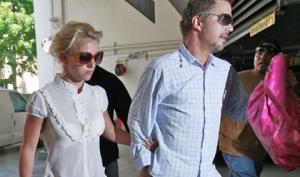 Бритни Спирс и Джейсон Травик расстались как певица и менеджер