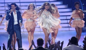 Леди Гага и Бейонсе исполнили новые песни на  шоу Американский идол