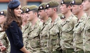 Кейт Миддлтон надела военный мундир