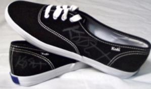 Кристен Стюарт пожертвовала свою обувь для борьбы с торговлей людьми