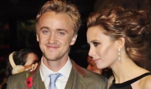 Девушка Тома Фелтона не собирается быть его женой