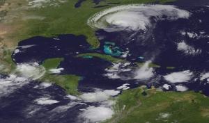 Знаменитости готовы к урагану Айрин