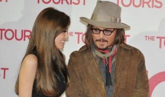Новой пары слух: Анджелина Джоли встречается с Джонни Деппом