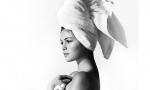 Марио Тестино сфотографировал Селену Гомес в полотенце