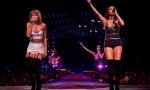 Джастин Тимберлейк, Селена Гомес и Лиза Кудроу спели на концерте Тэйлор Свифт