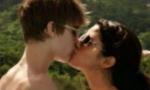 Поцелуй Джастина Бибера и Селены Гомес стал самым популярным в Инстаграме