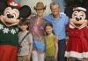 Майкл Дуглас повеселился с детьми в Disney World