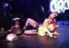 Мадонна пьёт водку на сцене и оплакивает сына